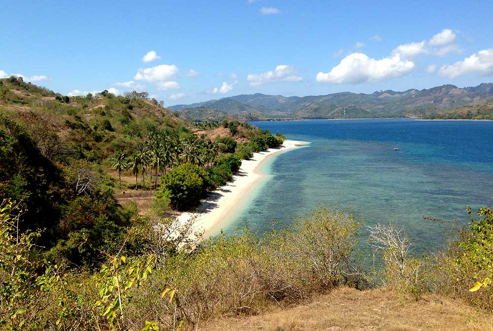Secrete Island Gili Asahan Activities walk around the island